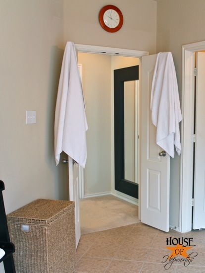 How To Hang Towels In A Bathroom My Web Value