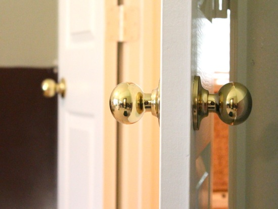 doors and their knobs
