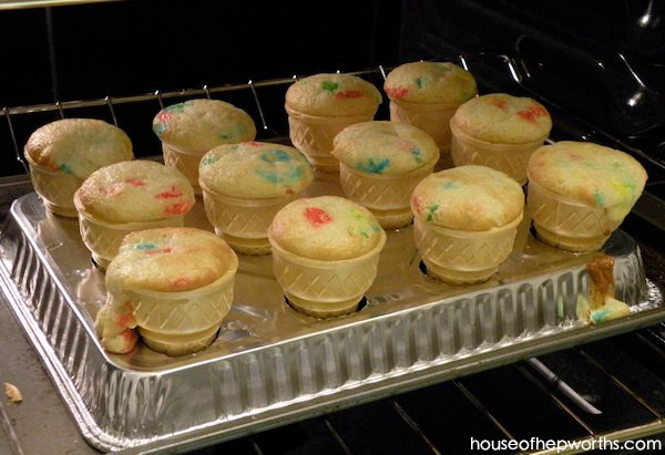 DIY Ice Cream Cone Cupcake Pan