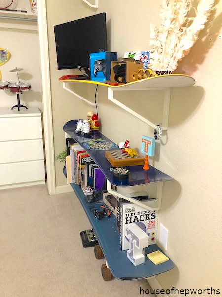 snowboard diy floating shelves